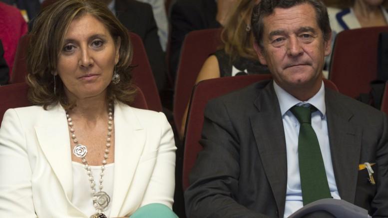 Begoña Cristeto, Secretaria General de Industria y Pyme, junto a Mario Armero, Vicepresidente Ejecutivo de ANFAC