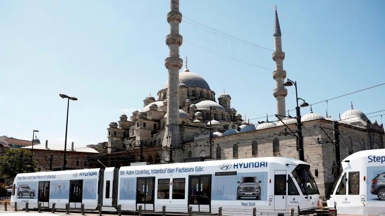 #HyundaiTravelMate Estanbul Tranvia II