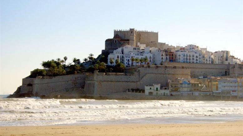 Castillo Papa Luna y Playa de Peñiscola