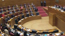 Las Corts aprueban ampliar la petición a Madrid de línea presupuestaria para el transporte de ciudades de más de 50.000 habitantes