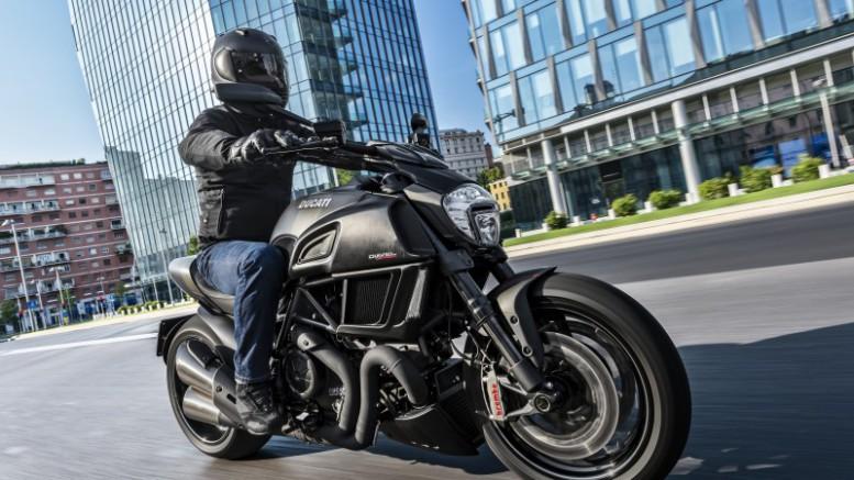 Ducati Diavel Carbon 2016: Única, diferente, innovadora y valiente