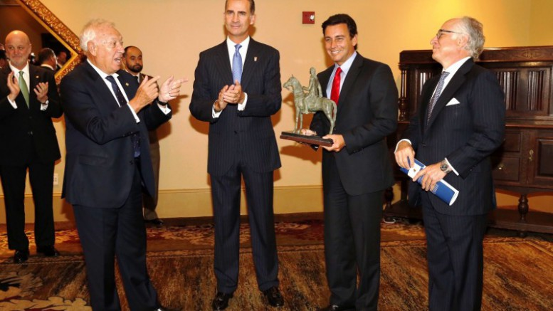 Mark Fields recibió el Premio 'Bernardo de Gálvez' del Rey Felipe VI por la Factoría Ford de Almussafes