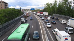Diez multas de tráfico que pueden aguarte la fiesta en el puente del Pilar