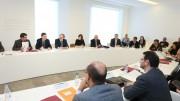 Ximo Puig en la mesa redonda 'Retos económicos de las comarcas', en Ontinyent