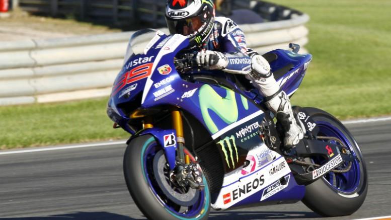 Jorge Lorenzo comienza por delante de Valentino Rossi en Valencia