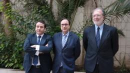 Reunión de Vicent Soler con el presidente de Caixa Ontinyent y el director del IVF