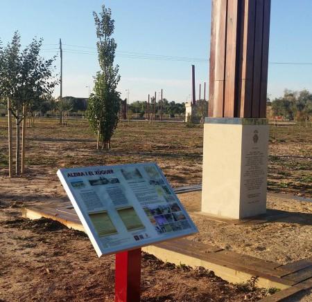 Atril explicativo en torno al río Xúquer en Alzira