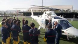 Momento de la explicación durante la jornada de prácticas de rescate en helicóptero