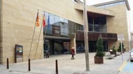 El edificio consistorial del municipio de Carlet