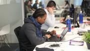Oficina pública de trabajadores. Los extranjeros afiliados en la Seguridad crecen en la Comunitat