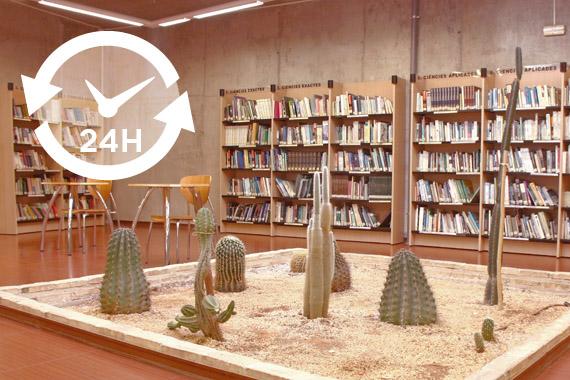 Una de las salas de la biblioteca municipal de Paterna