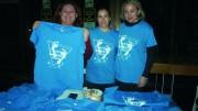 Venta de camisetas para la Caminata Solidaria de Almussafes