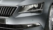 Škoda incorpora faros delanteros bi-xenón con función adaptativa en el Superb