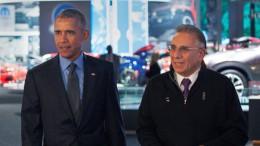 Obama visita el American International Auto Show del Norte (NAIAS)