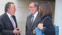 Alfonso Grau junto a su abogado Jesus Bone