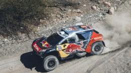 Los Peugeot 2008 DKR16 copan el podio en el ecuador del Rally Dakar