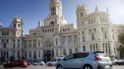 Tener un coche en propiedad en Madrid o Barcelona cuesta 16 euros por hora de conducción