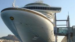 Crucero en el Puerto de Alicante, Puerto de Valencia