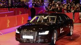 Daniel Brühl llega en un Audi A8 L W12 autónomo a la Berlinale