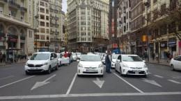 Obras Públicas realizará un estudio del sector del taxi para la Comunitat