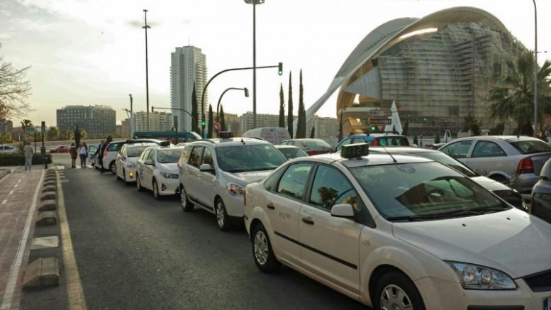 """Martín: """"La Ley del Taxi responde a la exigencia del propio sector de crear un marco jurídico que regule su actividad económica"""""""