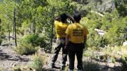 Brigadistas forestales en el punto de vigilancia de Portacelli (Serra)