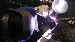 Un trabajador del sector del metal