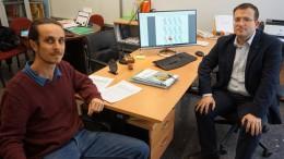 Los investigadores Corentin Girard y Manuel Pullido