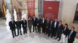 Ximo Puig, junto al president de Les Corts, Enric Morera, y diferentes consellers y personalidades políticas de la Comunitat Valenciana