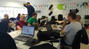 Equipos en Startup Weekend trabajando