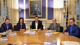 Miembros de la Mesa de Les Corts Valencianes