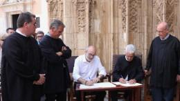 Firma de convenio del Tribunal de las Aguas