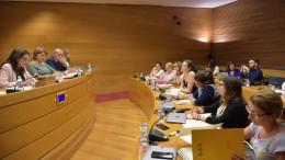 La vicepresidenta del Consell, Monica Oltra, en Les Corts