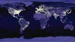 Mapa Mundial nocturno de la Tierra, dónde se aprecia dónde se consume energía en el mundo.