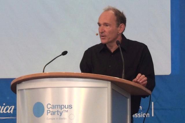 Tim Berners-Lee en Campus Party explicando W3C