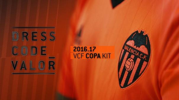 Nueva equipación Valencia CF naranja brillante