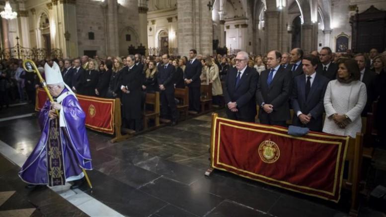 La catedral, abarrotada para la misa funeral por Rita Barberá