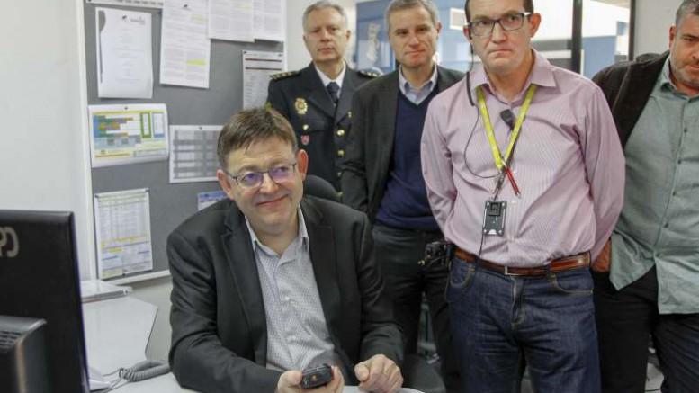 """Puig reconoce el """"trabajo cotidiano"""" y la apuesta por la seguridad del Centro de Coordinación de Emergencias 112"""