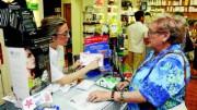 El Consell incrementa en cinco millones de euros las ayudas a pensionistas frente a copagos farmacéuticos y ortoprotésicos