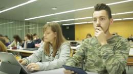 Cs propone un plan para dotar al profesorado universitario de competencias para trabajar con alumnado con sordera