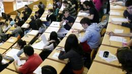 Un total de 17.730 aspirantes se examinarán para las 29 bolsas de trabajo de la Generalitat