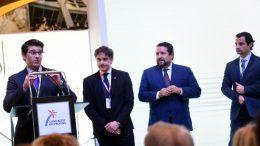 El presidente de la Diputació durante su visita en Fitur junto al secretario autonómico de la AVT, Francesc Colomer, el presidente de la Diputación de Castellón, Javier Moliner, y el vicepresidente de la corporación alicantina, Eduardo Dolón
