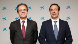 Jordi Gual, presidente de CaixaBank, y Gonzalo Gortázar, consejero delegado de la entidad - Apertura Oficina en Frankfurt