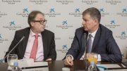 """Marc Simón, subdirector general de la Fundación Bancaria """"la Caixa"""" y Xicu Costa, director territorial de CaixaBank en la Comunitat Valenciana"""