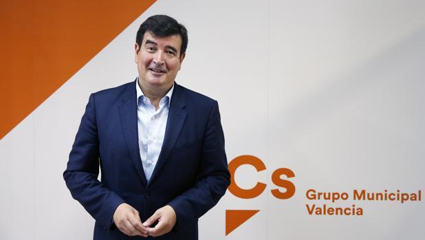 """Giner denuncia : """"Votan a favor de eliminar exenciones fiscales mientras que se la autoaplican en la venta de la sede del PSPV """""""