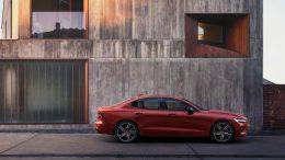 Volvo Cars presenta el nuevo sedán deportivo S60: el primer Volvo fabricado en EE.UU.