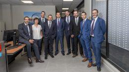 El equipo de profesionales CaixaBank del Centro Empresas de en Gandia con su director Enrique Nogués