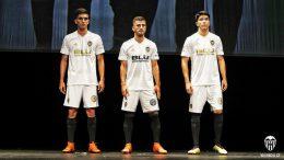 Una equipación de pasado, presente y futuro para el Valencia CF
