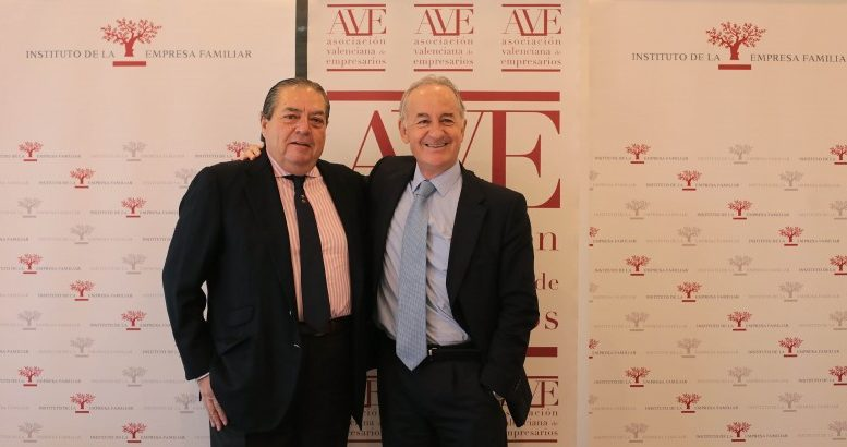 Juan Corona, director general del Instituto de la Empresa Familiar, Vicente Boluda, presidente de la Asociación Valenciana de Empresarios