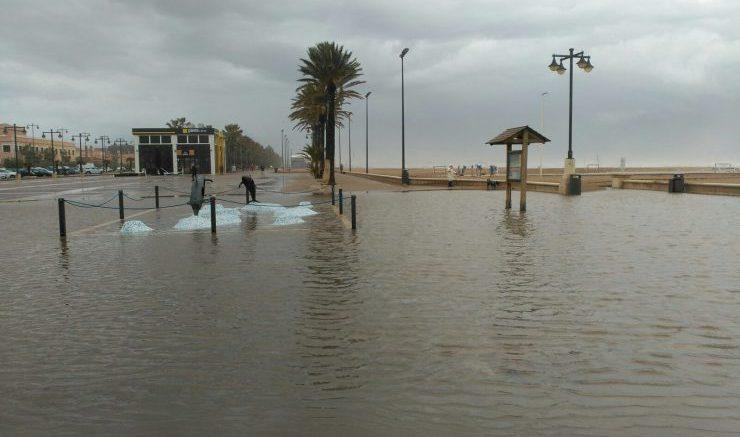 El temporal en La Playa de La Malvarrosa